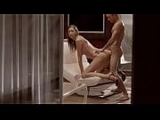 Девушки занимаются сексом с предметами фото