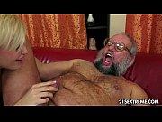 скачать порно видео сын трахнул сисястую мать