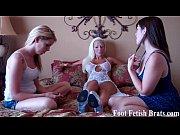 Bella and Leyla worshiping a stripper'_s feet