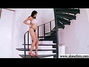 Порно видео жена уберается по дому голой