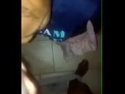 Avsugning med kondom enorm dildo