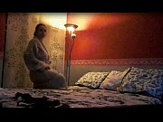 Дочка залезла к папе под одеяло порно онлайн