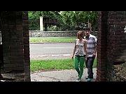 русская мамаша учит дочь аналу