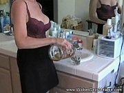 секс трахают гостью соседи
