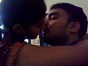 beautifull indian girl can t control on lip kiss - long kiss