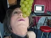 liane et le raisin vert
