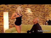 Sexy blonde babe gets her cunt sucked