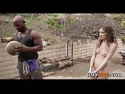 мужчина лижет сеусуальной голой сучке в чулках порно фото