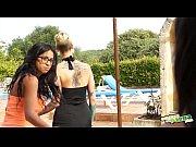 org&iacute_a en la piscina de salma - massive.