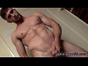 Видео порно мастурбация девушек в общественном туалете