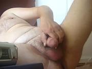 Порно зашел домой и играл в прятки