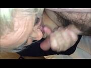 Порно фото под юбкой у азиаток
