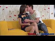 русская семья занимается сексом на видеокамеру