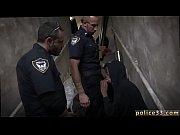 Svart ungdoms plasser bondage videoer på nettet