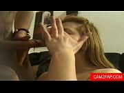 Små liderlige piger masager piger