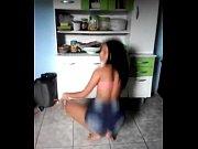 Novinha dan&ccedil_ando funk sem calcinha