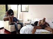 Видео фистинг лысой головой во влагалище