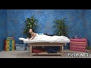 пьяную жену трахают при спящем муже