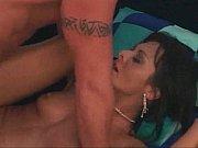 Секс он ей нежно сзади вставил