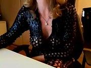 Жена стесняется при муж заставляет секс ролики