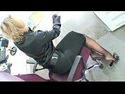 Фотки девушки мостибируют хуй ногами