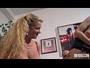 Секс с молодой гимнасткой брюнеткой