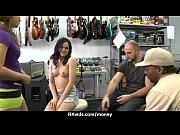 смотреть онлайн порно ролики русский парень трахнул маму и дочку