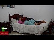 Te doy un masaje y luego te follo con mi poll&oacute_n en la cama de tu madre.GUI054