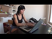 Девушка делает секс с мужчиной видео
