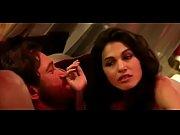 Видео как раздеваються девушки приватное