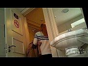 Мама дочь и папа веселятся вместе в ванной порно