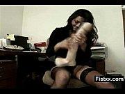 Секс бдсм с игрушками в гинекологическом кресле