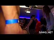 Горячее порно видео с гимнасткой в холле