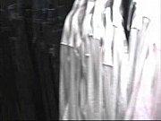 сосут в ночном клубе видео