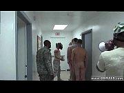 Смотреть как ходят женщины в биотуалетах