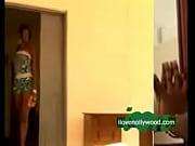 Порно видео молодая девушка показала большие сиськи за деньги