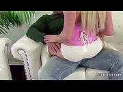 Подруга дочери лижет маме порно видео