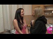 секс видео соседки соблознили юныша