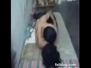 Karvaisia pilluja nainen masturboi