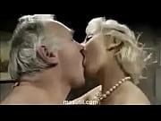 Порно как сосут до оргазма