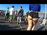 groped her ass in music festival