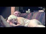видео девушка и мужчина занимаются сексом