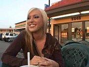 как негры ебут блондинок в жопу покозать видео ролик
