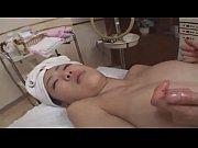 порно видео девушка мастурбирует вибратором