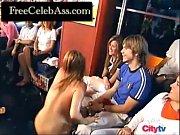 скрытая камера подсматревает за голыми девками