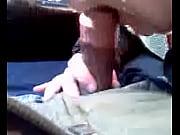 Смотреть кк девушки в пизду засовывают живых червей