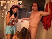 смотреть как девушки и женщины моются в бане подглядывать