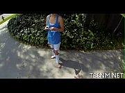 Порно видео засовывание предметов во влагалище