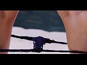 Видео групповой секс в туалете