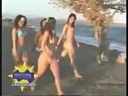 Wendy Vargas en Bikini Amarillo